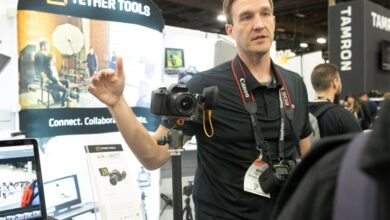 Photo of Discutiendo el nuevo Air Direct de Tether Tools en WPPI